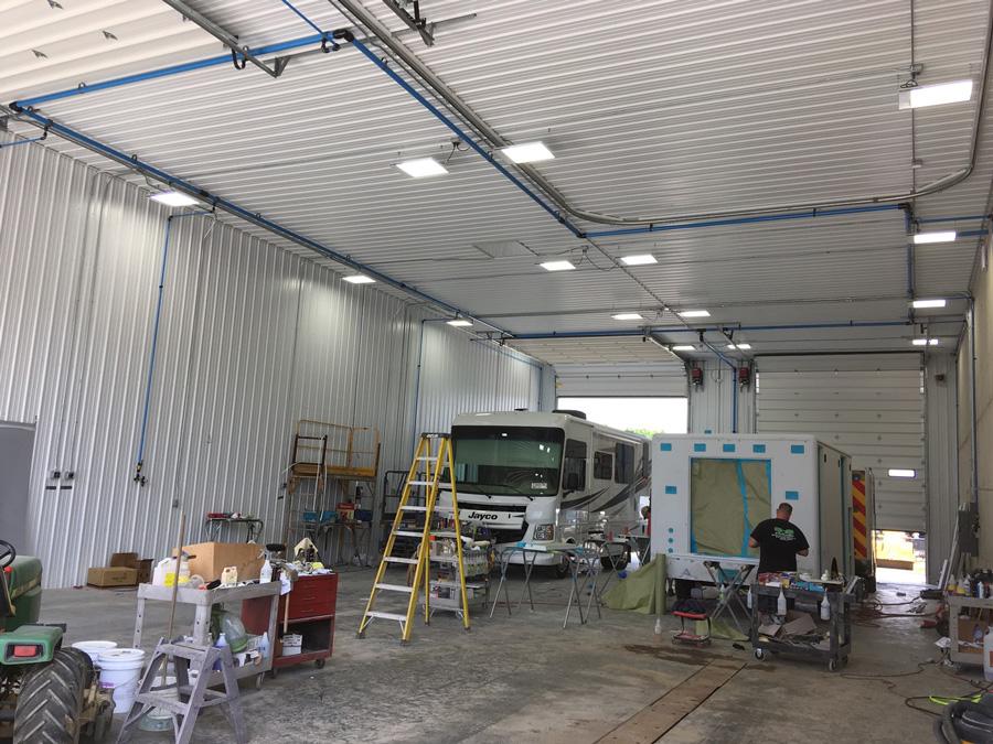 https://www.greeninovaled.com/projects/led-linear-high-bay-light-project-200w-workshop/